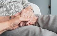 Aké aktivity robí na pomoc seniorom a zdravotne postihnutým vaše mesto?
